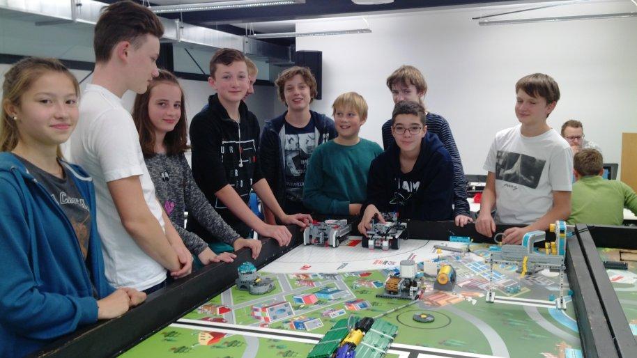 17-LEGOschool-3.jpg