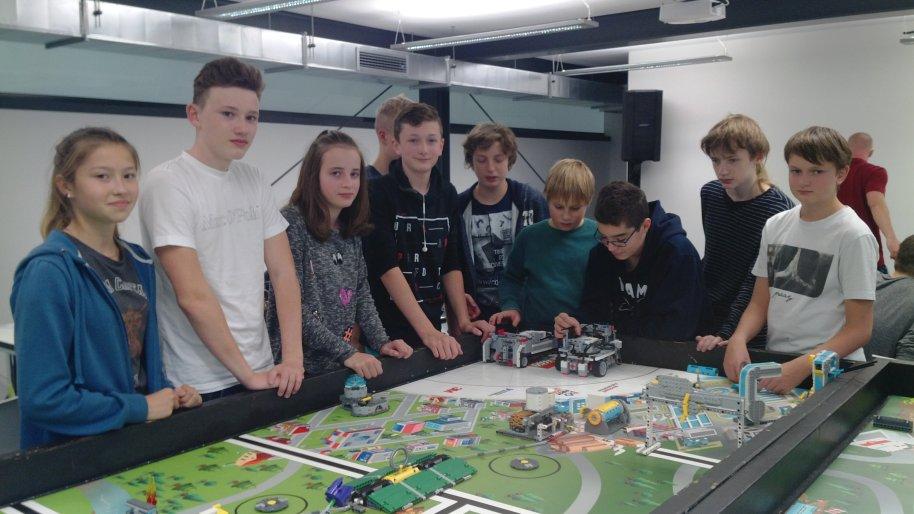17-LEGOschool-4.jpg
